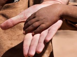 en lumière – Des coopérants néocoloniaux en Afrique?